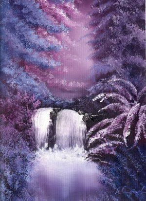 Liilan ja pinkin sävyinen metsämaisema, keskellä vesiputous ja lampi